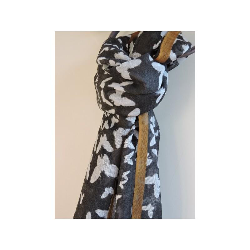 Foulard en étamine de laine - Madame Framboise 6436b8aa1bf